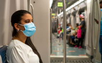 PAHO Director says new variants and acceleration of virus makes continuing public health measures urgent