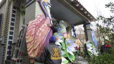 No Mardi Gras parades, so thousands make 'home floats'