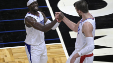 Leonard, George stellar in returns as Clippers thump Magic