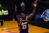 Lakers-Grizzlies recap: LeBron James down epic finishing dunk in win