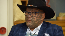 Ties off in NZ as Waititi forces change