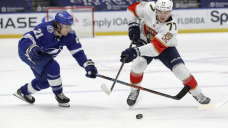 Panthers close in on Central-leading Lightning with 6-4 win