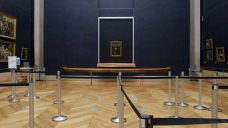 Powdering sleeping beauty's nose: Virus eases Louvre works
