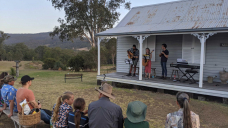 An unlikely duo: Opera and country music team up in tour of outback Queensland