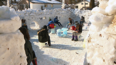Tons of of Winnipeg elementary students build massive snow fort