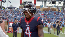 Deshaun Watson tweets about 'loyalty' amid reports Texans received't trade him