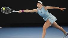 French Initiate winner Swiatek beats Bencic in Adelaide final