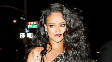 Rihanna Is Flawless Displaying Off Her '5 Minute Face' The usage of Fenty's Novel Powder Foundation — Watch
