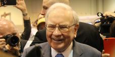 Warren Buffett: Retirees 'face a bleak future' as mounted-earnings investments struggle