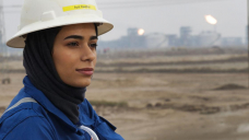 In oil-rich Iraq, a few women buck norms, take rig site jobs