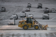 Snowstorm prompts airlines to cancel most NYC-intention flights