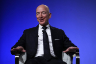Day-to-day Crunch: Jeff Bezos will step down as Amazon CEO