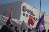 Amazon warehouse workers to begin historic vote to unionize