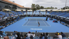 Fans are in, but crowd numbers are thin at Australian Originate