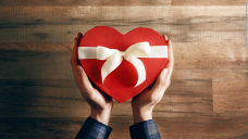 20 clever final-minute gifts that will arrive by Valentine's Day