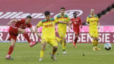 Comeback win keeps Leipzig on Bayern tail