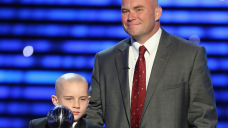 Father of boy who scored TD in Nebraska spring football game dies of brain cancer at 42