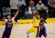 Suns at Lakers: Phoenix brushes off Booker ejection in impressive win