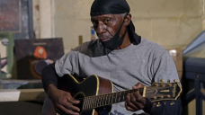 In Mississippi, runt-town bluesman keeps aging music alive