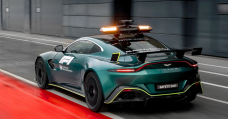 Aston Martin's Vantage Now Shares F1 Safety Automobile Tasks After 26 Years Of Mercedes-AMGs