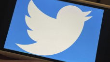 Russia slows Twitter access