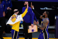 Lakers facts: Alex Caruso (head injury) leaves game vs. Pacers