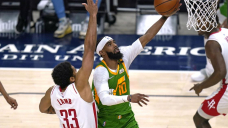 Jazz return from ruin, hand Rockets 15th straight loss