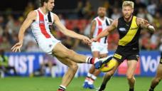 Errant golf ball sidelines Saints' King