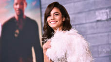 Vanessa Hudgens Can't Discontinuance Smiling As She Cozies Up To BF Cole Tucker In New Photo