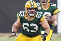 Packers writer helps create perfect going away present for Corey Linsley