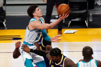Hornets Reactions: LeBron James, Lakers withstand 2nd-half of rally, down Hornets