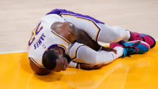 Lakers' LeBron James out indefinitely with high right ankle sprain