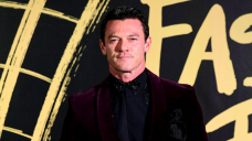 Luke Evans shows off chiselled abs after body transformation