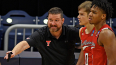 Texas Tech coach Chris Beard's silly-game decisions questioned after loss to Arkansas