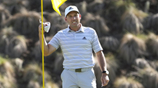 Garcia comes up aces on a frenetic Friday at Match Play