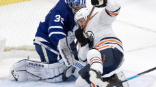 Auston Matthews scores in OT to lift Maple Leafs past Oilers