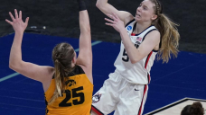 Powerhouses UConn, Baylor meet in females's Elite Eight