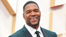Michael Strahan Appears To Acquire Rid Of The Well-known Gap In His Teeth After 50 Years