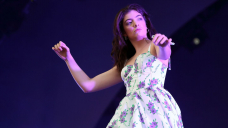 Lorde Covers Bruce Springsteen, Sips Whiskey From A Piano Bench In New Zealand