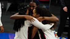 South Carolina heartbreakingly missed a trip to the ladies's tournament final by inches in a crazy end sequence