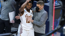 Source: Oklahoma hires Loyola's Moser as males's hoops coach
