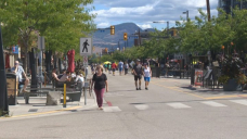 Downtown Kelowna businesses push for street closure earlier than scheduled