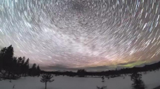 Timelapse Captures Aesthetic Valuable particular person Point to Over Frozen Alaska Panorama