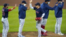 Pink Sox extend win streak to 5, beat Orioles 6-4 in 10