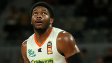 Cairns upset Adelaide in comeback NBL win