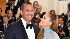 Behold Support at J.Lo and A-Rod's Clear CoupleModelPre-Split