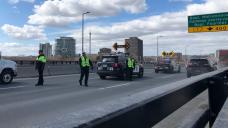 Ottawa police checkpoints at Ottawa-Gatineau crossings begin at 12:01 a.m. Monday