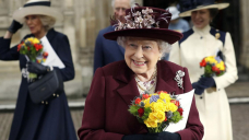 Queen enters 'twilight' of reign after farewell to Philip