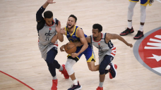 Curry finally goes cool, Beal rallies Wizards past Warriors