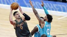 Vucevic dominates as Bulls pound Hornets 108-91